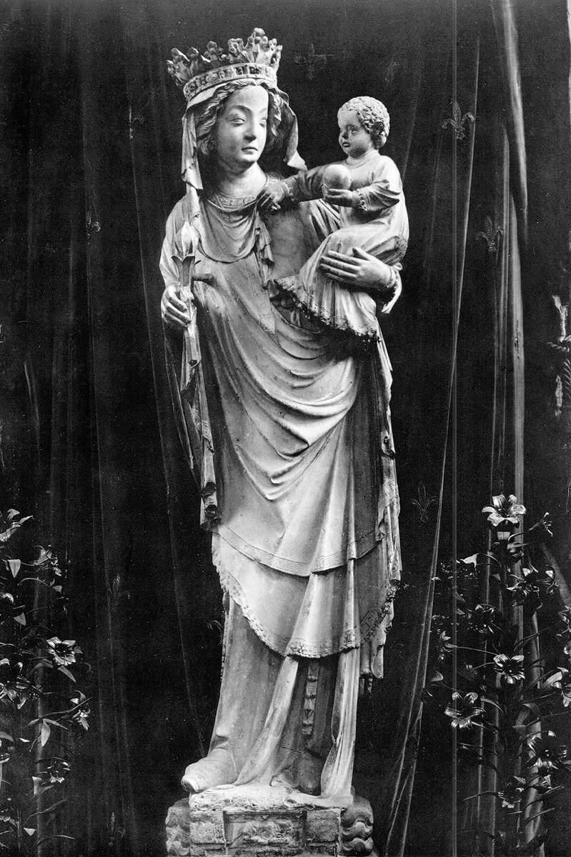 european gothic sculpture