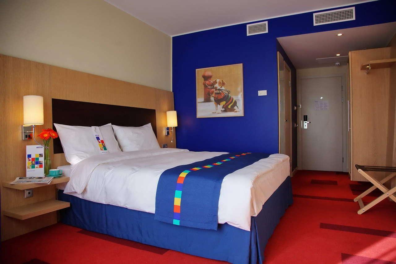 снаряд бум фото номеров гостиницы пулковская является одним наиболее