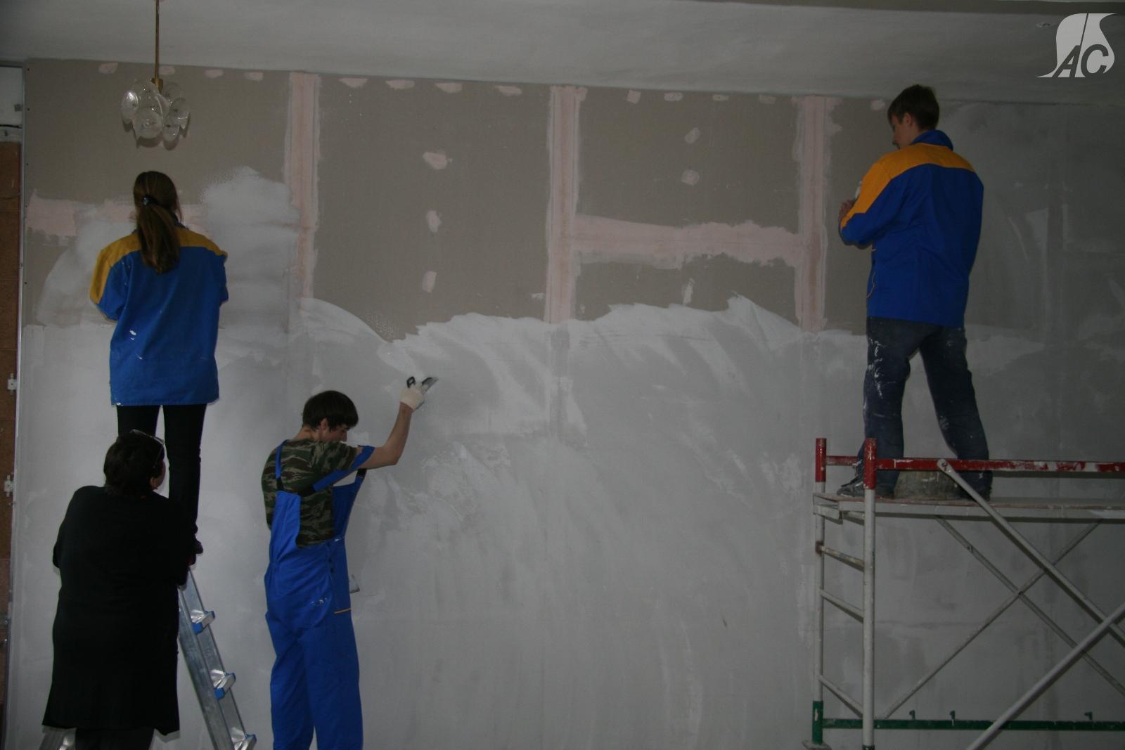 Малярные работы производство работ с применением водоклеевых  Покраска фасада