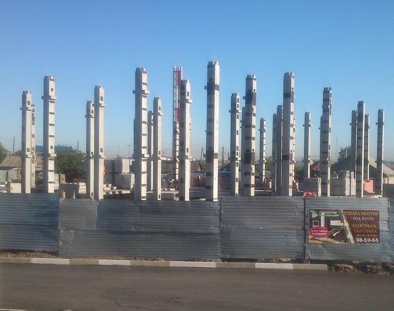 Производство монтажных работ монтаж плит перекрытий колонн  Установленные колонны