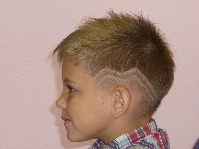 Узор на голове ребенка фото