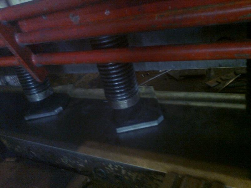 Общая характеристика предприятия Рис 14 Гидравлические гильотинные ножницы beyeler